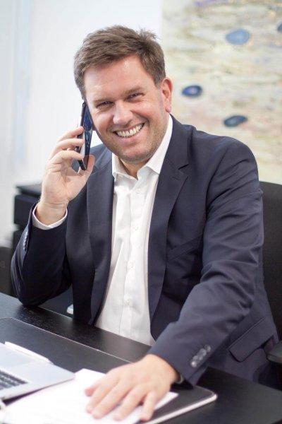 Jürgen am Schreibtisch edit